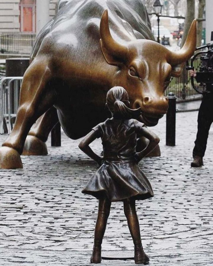 %22Fearless+Girl%22+statue+standing+up+to+the+Wall+Street+Bull%2C+an+effort+by+asset+management+company+State+Street+Global+Advisors+to+encourage+other+companies+to+put+more+women+on+their+boards.+