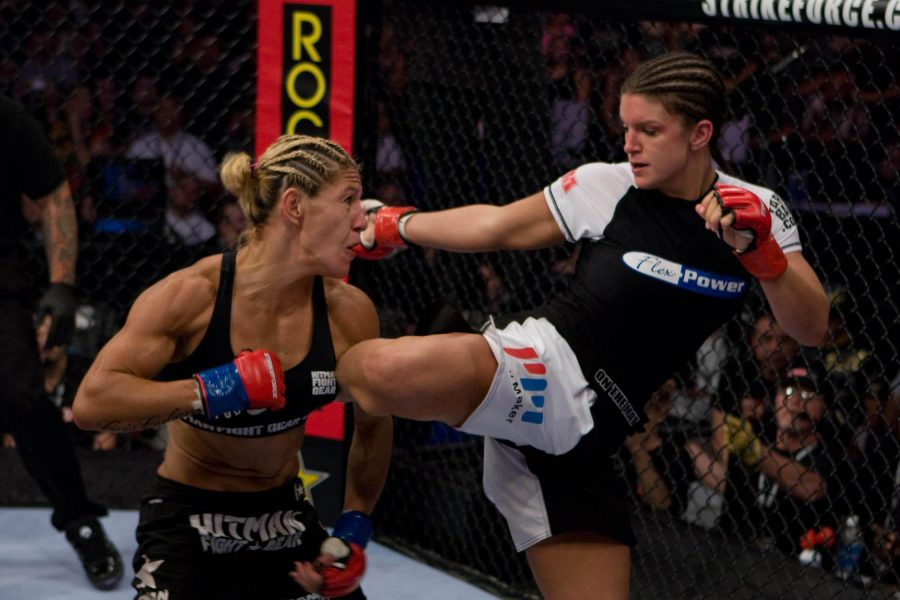 Gina+Carrano+vs+Cyborg+Santos+was+the+first+women%27s+MMA+main+event+ever