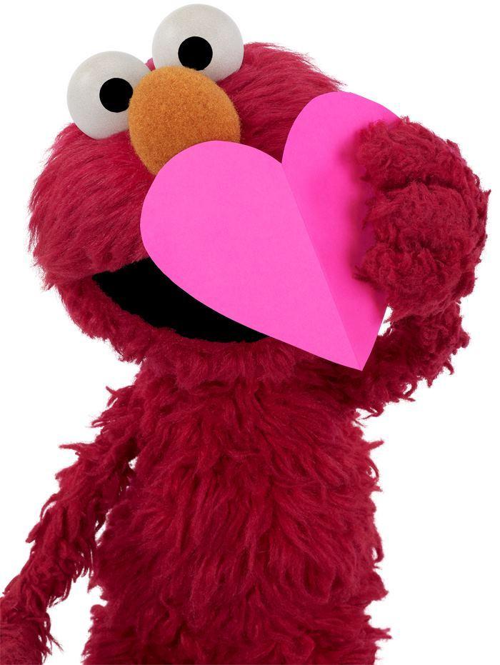 ELMO HEARTS YOU !!