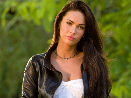 """MEGAN FOX ACTOR IN """"THIS IS 40"""" WHO WORKS AT A BOUTIQUE BUT HAS MORE MONEY THAN ANYONE FOR SOME REASON."""
