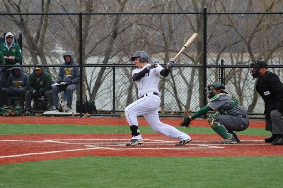 Seniors Greig and Palumbo Look to Finish Mercy Baseball Season Strong