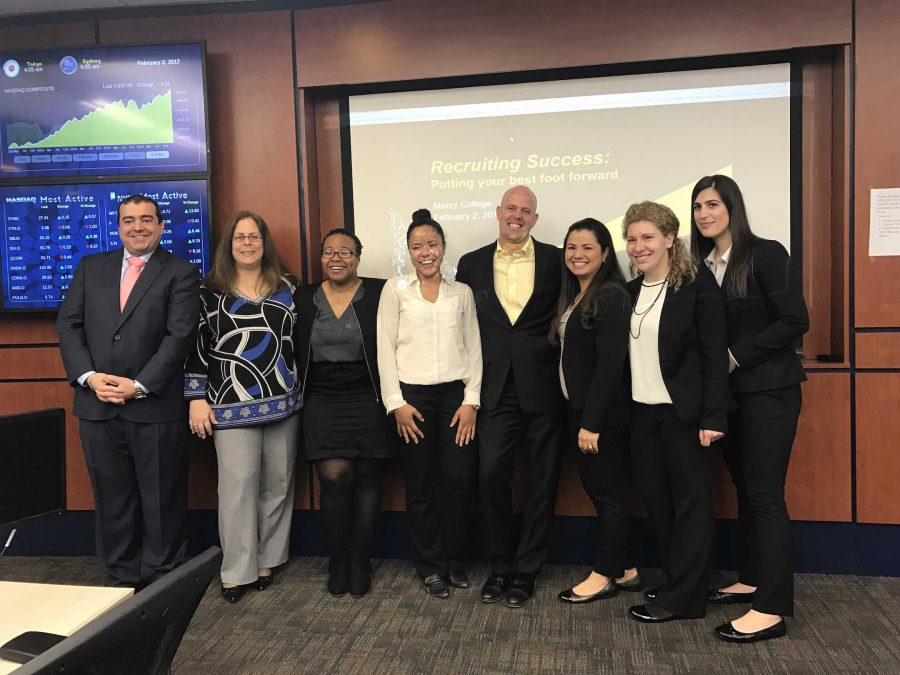 EY Americas Recruiting Leader Speaks to Business Students