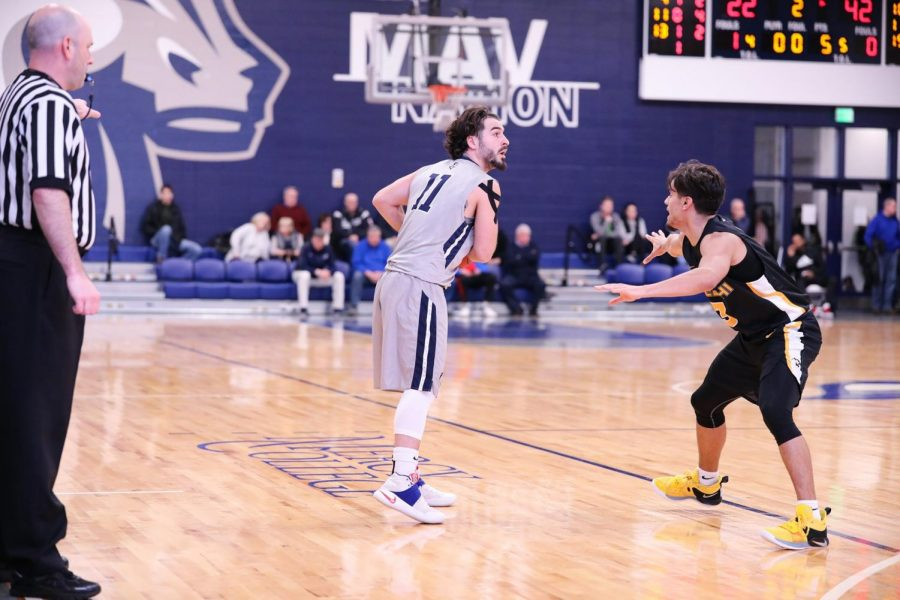 Griffin, Barbetto Score in Double Figures as Mavericks Fall to Queens College