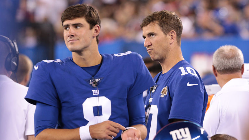 Aug+16%2C+2019%3B+East+Rutherford%2C+NJ%2C+USA%3B+New+York+Giants+quarterback+Daniel+Jones+%288%29+looks+on+with+quarterback+Eli+Manning+%2810%29+during+the+second+half+against+the+Chicago+Bears+at+MetLife+Stadium.+Mandatory+Credit%3A+Vincent+Carchietta-USA+TODAY+Sports