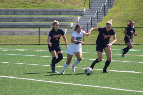 Women's Soccer Stampedes to a Hot Start