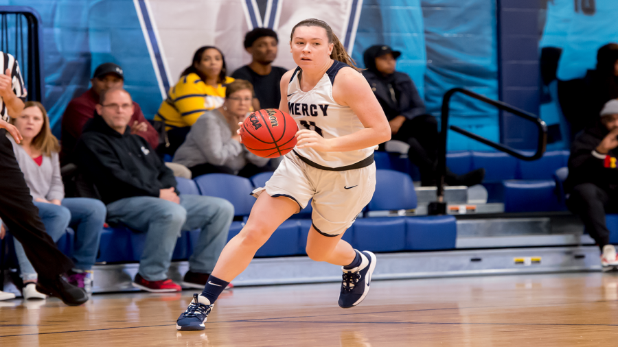 Women's Basketball Team Looks Ahead to First Game at Molloy